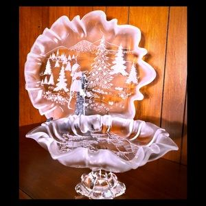 Serving set frosted relief winter scene